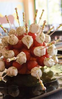 chupachups de cherry y queso fresco-min